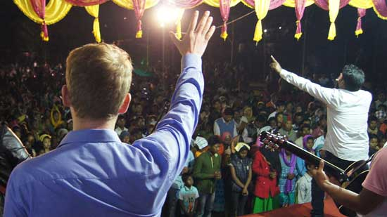 Evangelism with the Bible school in India